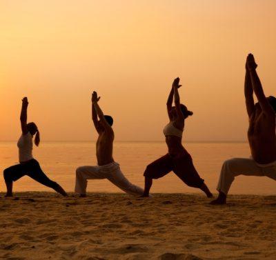 Yoga-Class-Beach-660